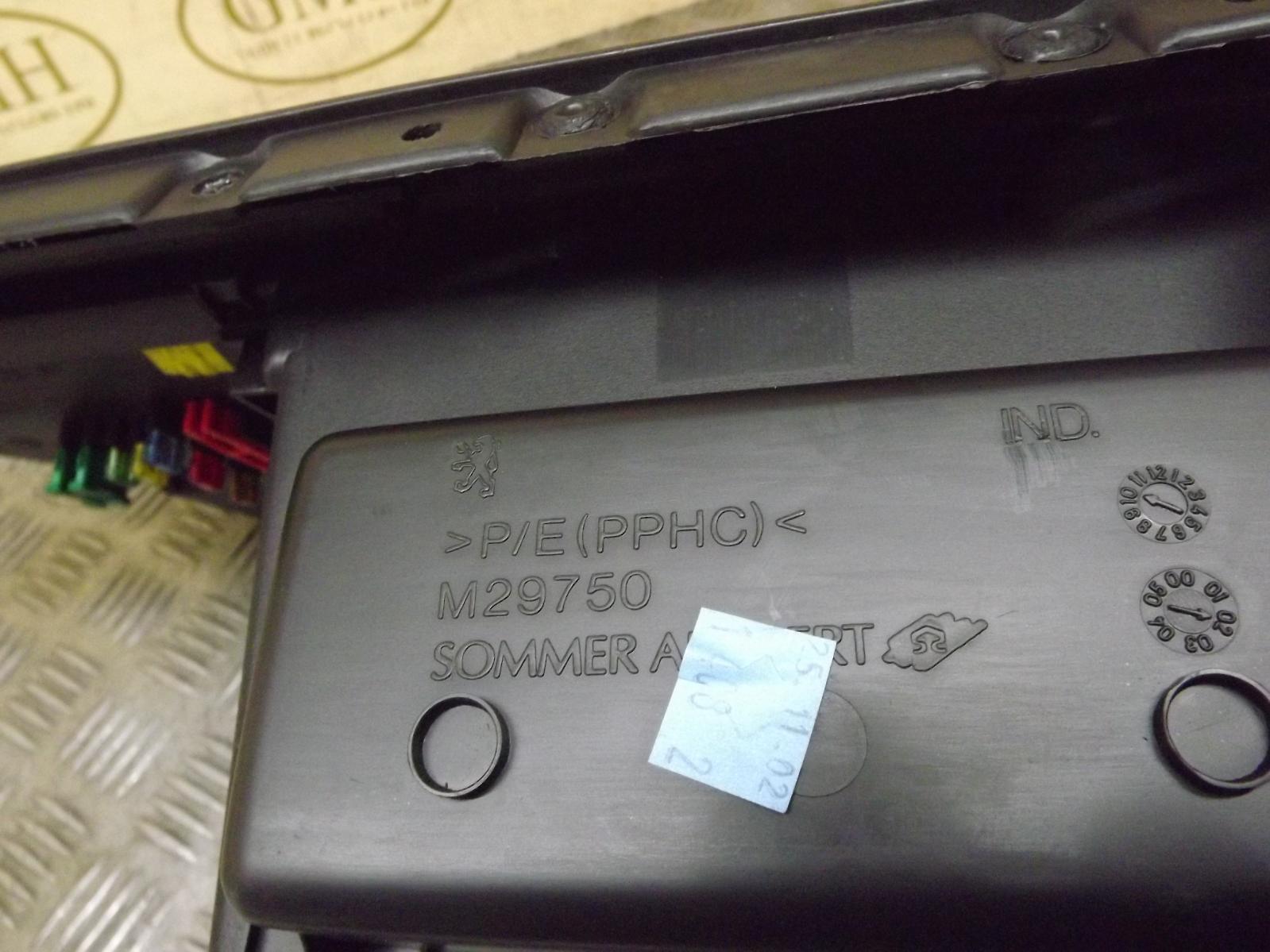 Peugeot 307 Glove Box Fuse Box : Peugeot glovebox glove box storage compartment